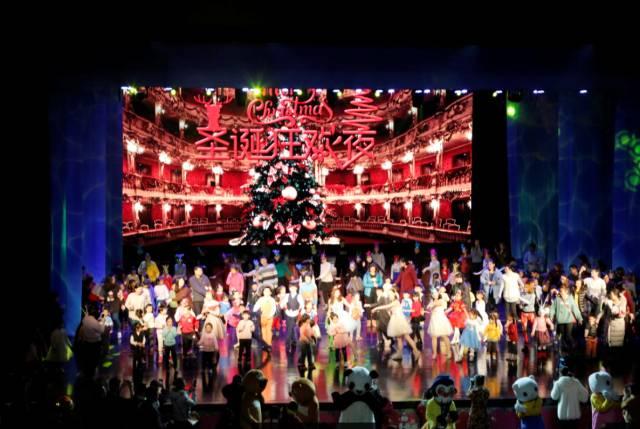 【圣诞快乐】胶东ope 电竞第四届圣诞狂欢夜回顾 l 最欢乐的舞会,最火爆的儿童剧,最珍贵的亲子时光,将我们所有美好的记忆注入心中!